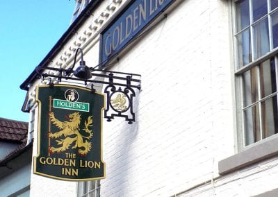 Holdens Golden Lion Inn